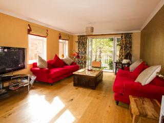 Centrally situated quiet apartment by the water, Stratford-upon-Avon