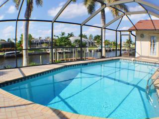 Villa Key Largo, Cape Coral