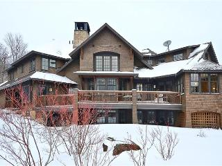 Slopeside Elegance, Stowe