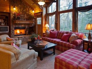 This Gorgeous Cabin Was Featured On HGTV`s DIY!, Ellijay
