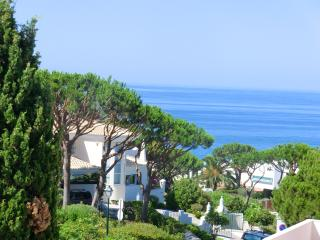 Villa Bella - walking distance to the beach, Almancil
