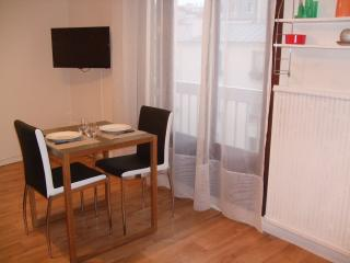 Lovely studio near Daumesnil WIFI access, Paris
