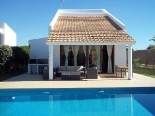 Beautiful Villa by the sea-3 rooms+2baths