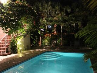 LBTS, Beautiful Studio, Pool.Walk to the beach!, Lauderdale by the Sea