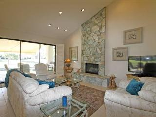Palm Valley CC- Spacious Floor Plan & Ideal Location! (VZ541), Palm Desert