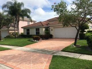 Pool home in gated golf community, Lake Worth