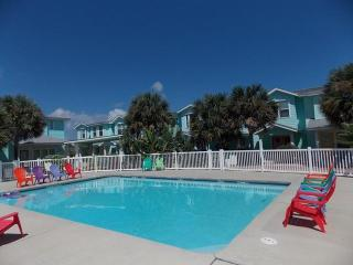 Reel Paradise, 3 bedrm with nice tropical pool, Port Aransas