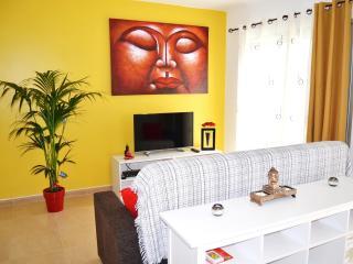Bonito apartamento frente al muelle deportivo wifi