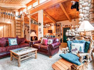 Tannenbaum by the River 304 by Ski Country Resorts, Breckenridge