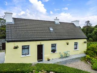 RIVER COTTAGE, character holiday cottage, with a garden in Rosmuc, County Galway, Ref 4628