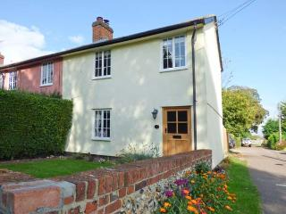 STOKE COTTAGE, open plan, enclosed garden, woodburner, WiFi, near Clare, Ref