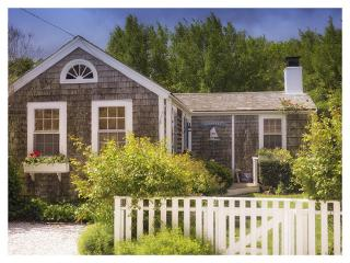 1 Bedroom 1 Bathroom Vacation Rental in Nantucket that sleeps 3 -(10346)