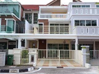 Felice Homestay 11at Tanjung Tokong, Penang.