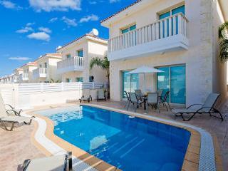Protaras Deluxe Villa Enia