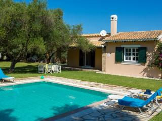 Villa Victoria - 2 bedrooms with private pool & Wi-Fi !!!