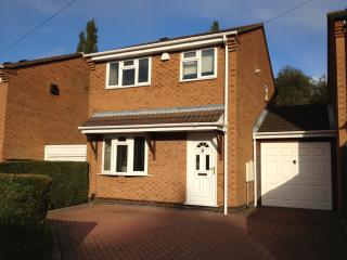 Comfy 3 Bed Detached Modern House Birmingham UK, Sheldon