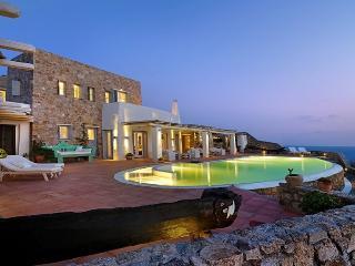 Blue Villas | Azure Villa | Laconic & Graceful, Ciudad de Míkonos