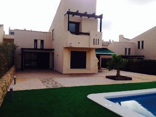 Luxury 4 Bedroom Villa with Private Pool Sleeps 10