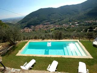 Detached house with private pool near Pisa-Lucca. Great Views!!, Buti