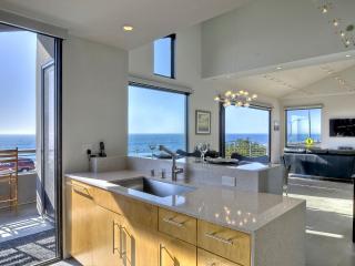Penthouse Pelican Suite