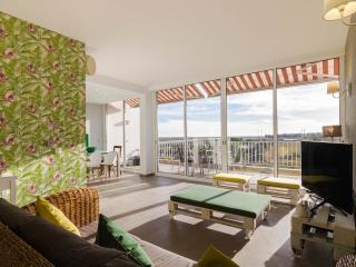 Santa Luzia Charming Penthouse Apartment