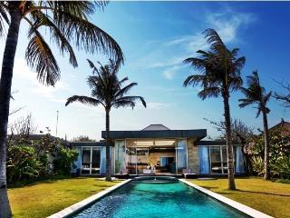 Nakula Sahadewa, 2 Lux 3 Bedroom Beach Front Villa, Sanur