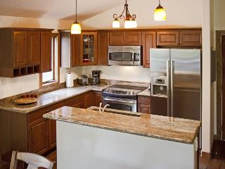 Low rates on Beautiful Newly remodeled Vail condo
