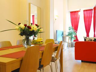Center, Spacious, Quiet Street Sleeps 1-8p, Bruselas