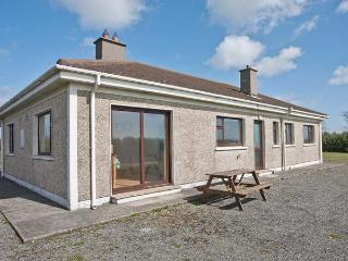SEASPRAY, detached, single-storey, sea views, pet-friendly, near Bunmahon, Ref