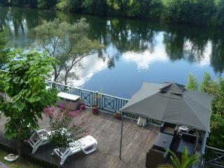 La Brise Liberiulle - riverside property Lot, Puy-l'Évêque