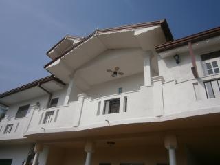1house, Negombo