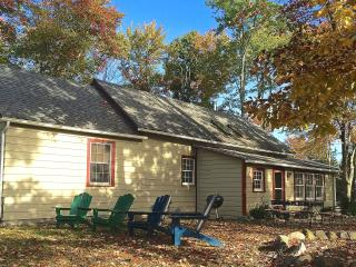 Renovated Schoolhouse - Hudson Valley Getaway, New Paltz