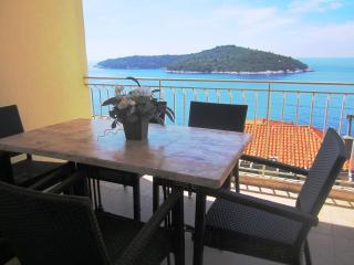 Sea View Apartment,400 m from Old City Dubrovnik