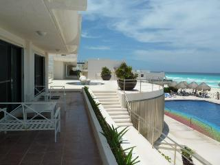 Villas Marlin With Pool in Cancun!-  Sleeps 8