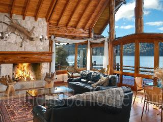 ULTRA LUXURY 6 BEDROOM/ 5.5 BATH (HV1), San Carlos de Bariloche