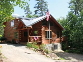 Timber Hollow, 2 master suites on a buffalo ranch!, Clyde