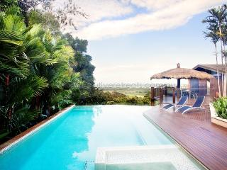 The View 360 House ' Infinity PooI Amazing Views', Port Douglas
