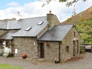 OAK TREE COTTAGE, delightful cottage, fantastic touring base, comfortable cottage in Tebay, Ref. 915760