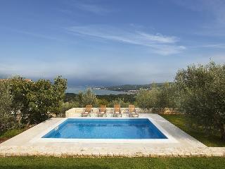 Beautiful Villa Maria on the Island, near the Sea