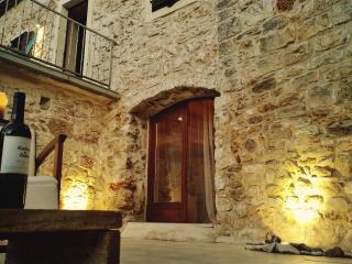 Beautiful Stone House with pool, Hvar island, Jelsa
