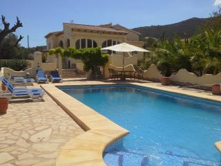 Luxury Villa - 3 bed  - A/C - Wi Fi  -Private Pool, Lliber