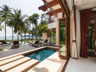 Krabi Luxury Beachfront Amatapura Pool Villa 12, Krabi ciudad