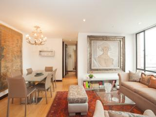 Classic Style 2 Bedroom Apartment in Zona T, Bogota