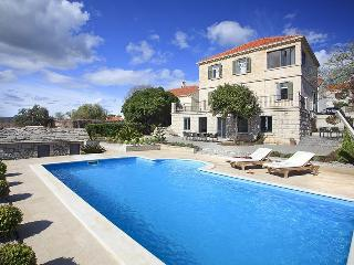 Luxury Villa Mar with Sea View, 80 Meters From Sea