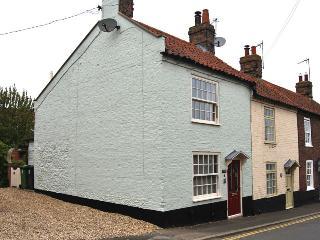 27519 - Arnica Cottage, Warham