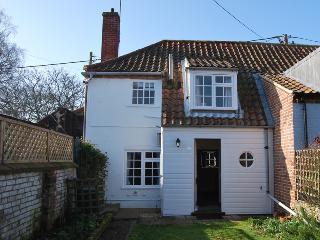 64057 - 1 Honeymoon Row, Warham