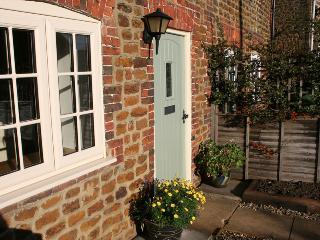 81971 - Sloe Gin Cottage, Heacham