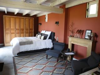 UN MATIN DANS LES BOIS 'Chambre John Latham', Montreuil-sur-Mer