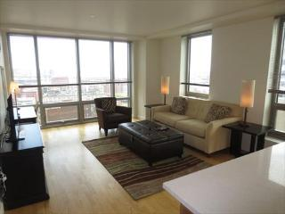 Lux Boston Theater Dist 2 BR w/WiFi