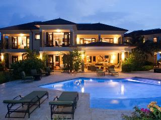 Tek Time Golf Villa on Cinnamon Hill - Ideal for Couples and Families, Beautiful
